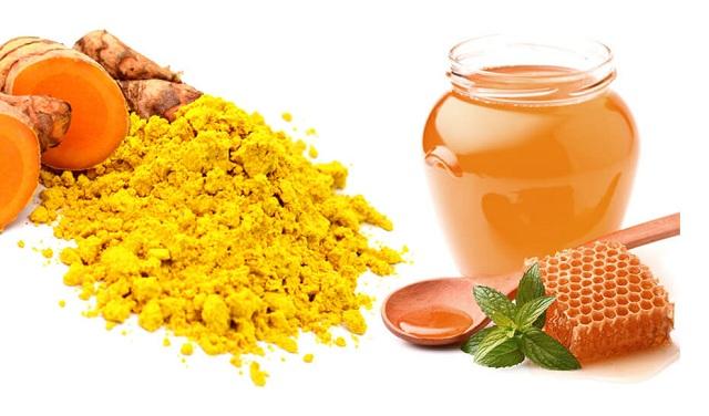 Cách trị thâm mụn bằng nghệ và mật ong