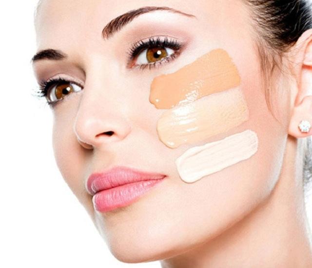 Da mặt bị mẩn đỏ và ngứa do dị ứng mỹ phẩm