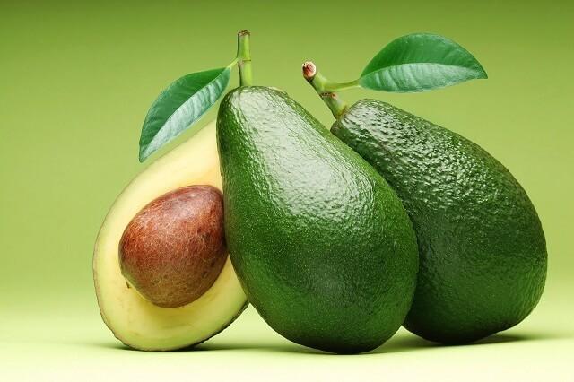 Bơ - Loại trái cây là địch thủ của mụn