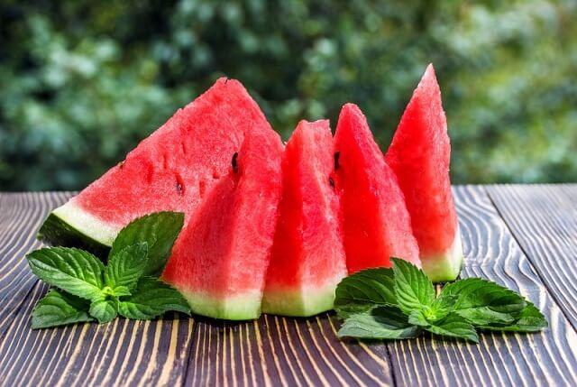 Dưa hấu- Loại trái cây là địch thủ của mụn