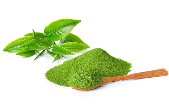 Dầu gấc kết hợp trà xanh cho da nhờn bị mụn