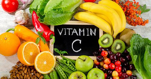 Vitamin C thổi bay mụn trứng cá