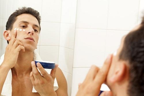 Dưỡng ẩm da ở nam giới