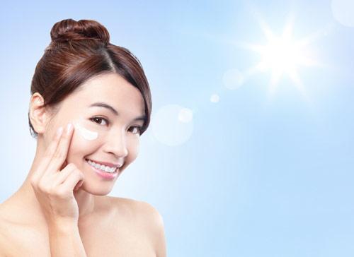 Bảo vệ da dưới ánh nắng mặt trời để chăm sóc da mặt
