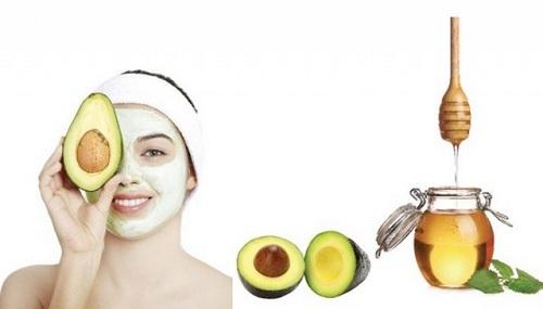 Dưỡng ẩm chăm sóc da mặt sau khi sinh