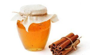 Cách trị thâm mụn bằng nha đam, mật ong, bột quế