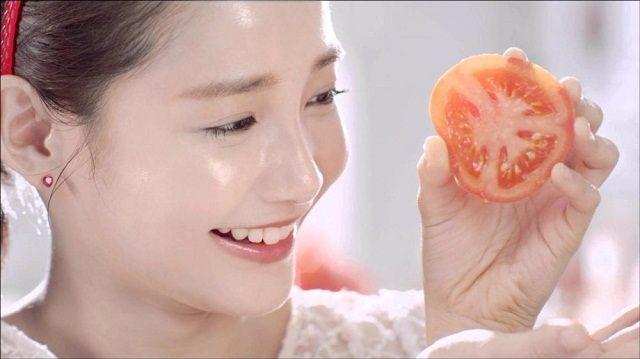 Cách trị mụn bọc bằng cà chua